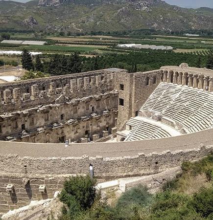 aspendos-antik-tiyatrosu-nun-hik-yesi-nedir