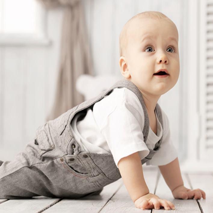 bebeklerin-emekle-sekilleri