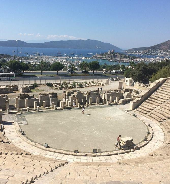 bodrum-antik-tiyatrosu-nun-tarihi-nedir