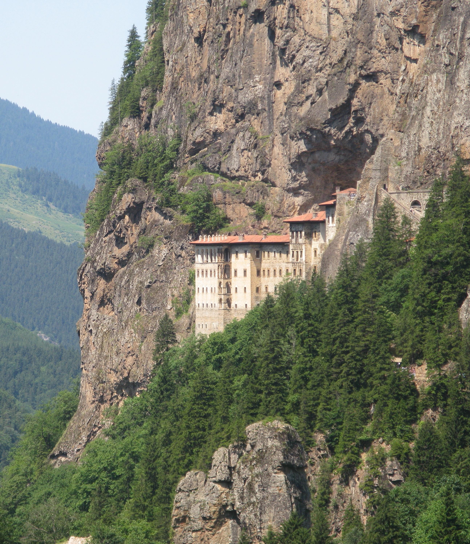 sumela-manastiri-nda-ne-yenir